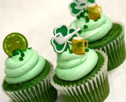 st patrick day green velvet cupcakes