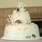 wedding-cake-beach-sea-shells-birds