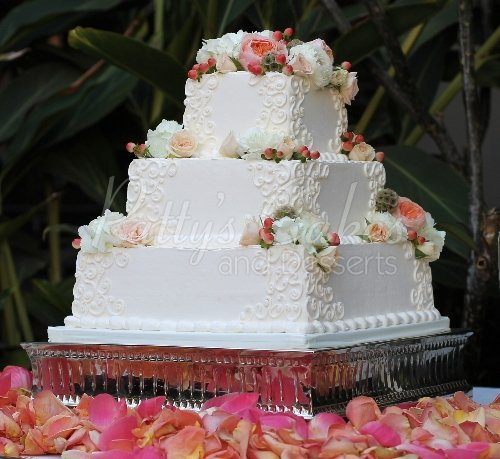 Beautiful squared 3 tier wedding cakes