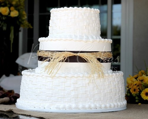 wedding-cake-3-tier-rustic-brown-basket-round