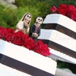 wedding-cake-square-cake-dark-ribbon