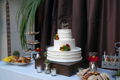 3 tier wedding cakes archives page 2 of 4 patty 39 s cakes and desserts. Black Bedroom Furniture Sets. Home Design Ideas