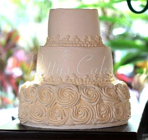Beautiful 3 Tier Round Wedding Cakes