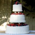 wedding-cake-berries-fresh-fruit-strawberries-white-red-blueberries-round