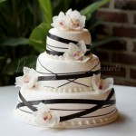 wedding-cake-black-ribbon-white