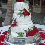 wedding-cake-initials-red-flowers-silver-base