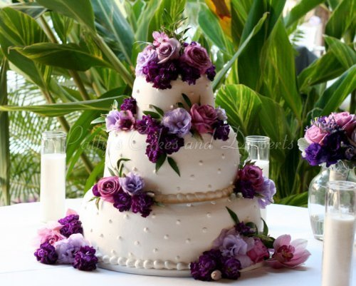 round wedding cakes with purple flowers beautiful 3 tier wedding cakes 19338
