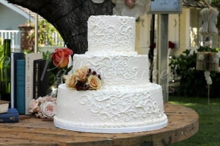 wedding cake white 3 tier outside