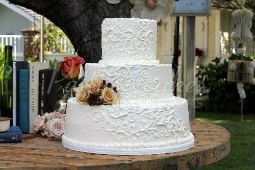 Wedding Cake White 3 Tier Outside