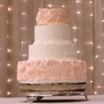 pink-rosette-wedding-cake