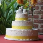wedding-cake-yellow-ribbon-yellow-round