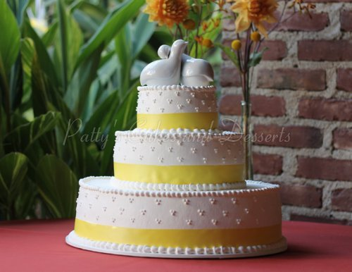 Wedding Cake Yellow Ribbon Round