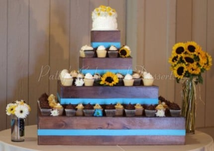wedding-cupcake-wood-stand-blue-sunflowers