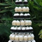 wedding-cupcakes-stand-black-white