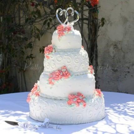 white-wedding-cake-red-flowers