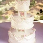 wedding cake garlands and pearls classic