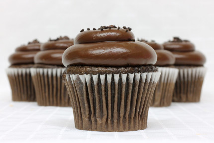 1-cupcake-chocolate-fudge