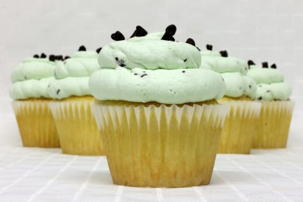 12-cupcake-white-mint-chip-mousse