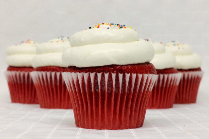 18-cupcake-red-velvet-cream-cheese-mousse