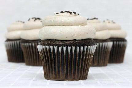 2-cupcake-chocolate-mousse