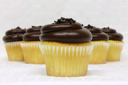 9-cupcake-chocolate-fudge