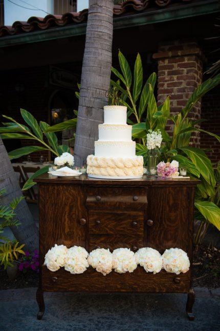 crystal-s-wedding-4-tier-display