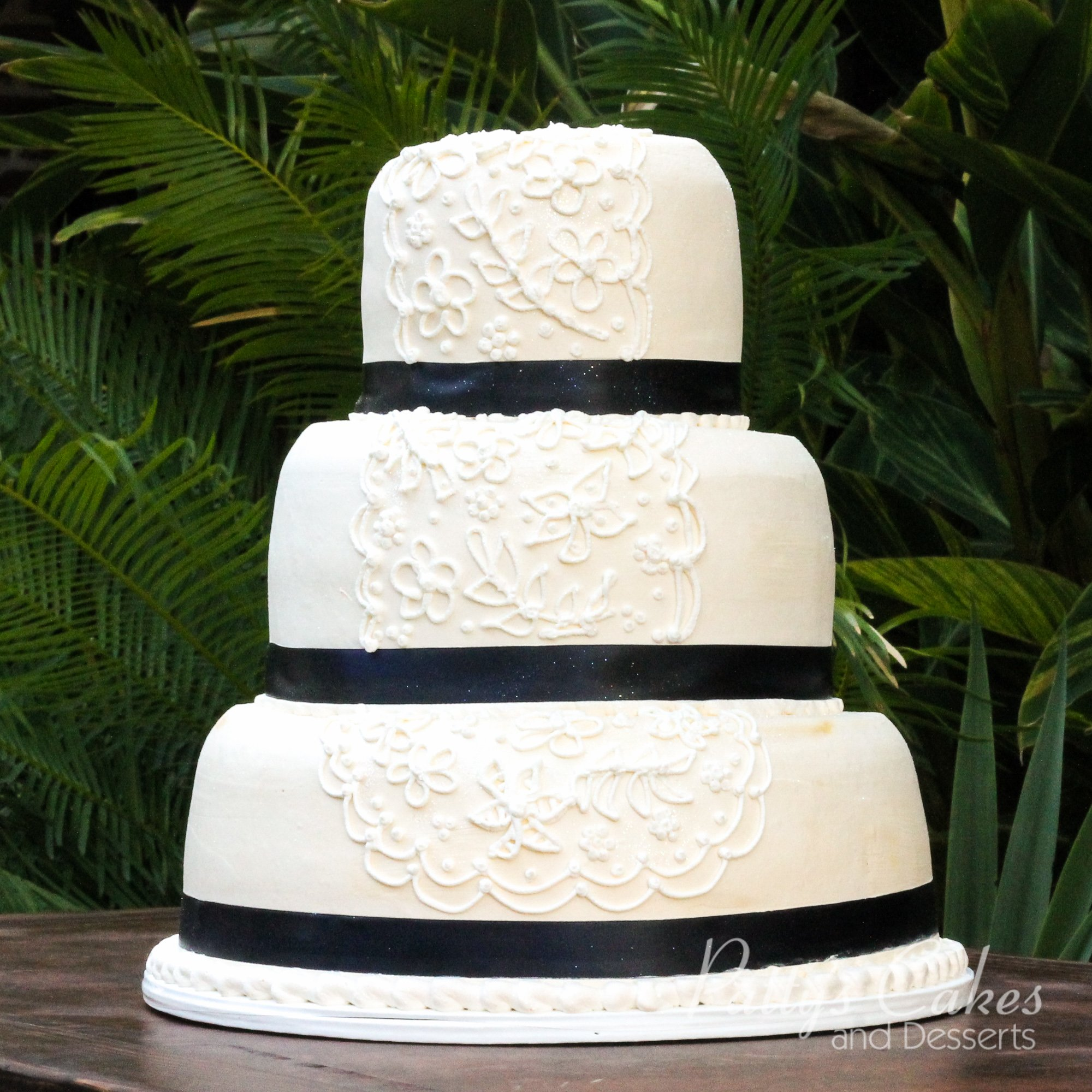 simple white wedding cake pictures photo of a simple white wedding cake patty s cakes and 20118