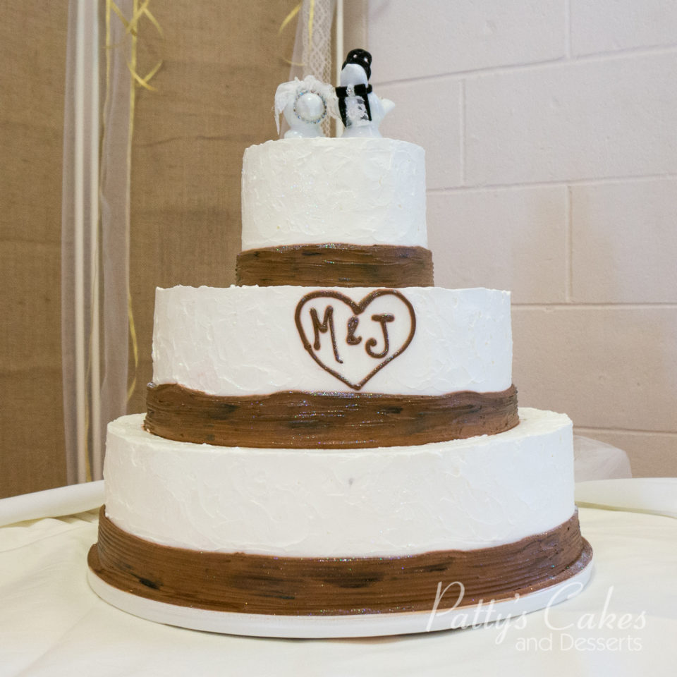 Photo of a tree bark wedding cake - Patty\'s Cakes and Desserts