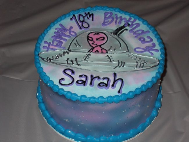 Pleasant Alien Birthday Cake Archives Pattys Cakes And Desserts Funny Birthday Cards Online Elaedamsfinfo